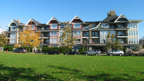 2 Bedrooms and Den Apartment In The Brittany At Champlain Gardens