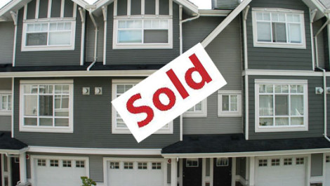 Sidney Representing Buyer In Successfully Purchasing A 3 Bedrooms Townhouse in Champlain Gardens