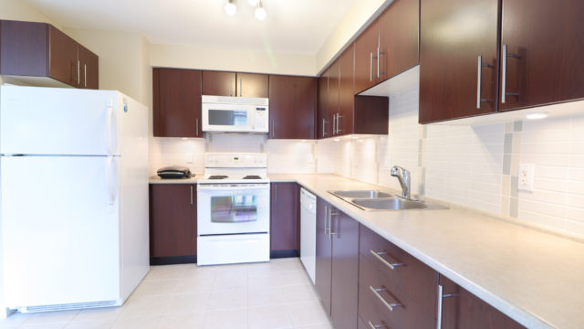 Spacious 3-Bedroom Apartment in The Brittany At Champlain Gardens